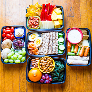 5-simple-snack-boxes-for-busy-people