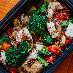chicken-power-bowl-tofu-stir-fry-and-more-meal-prep-ideas-for-the-21-day-fix-1500-1800-calorie-level